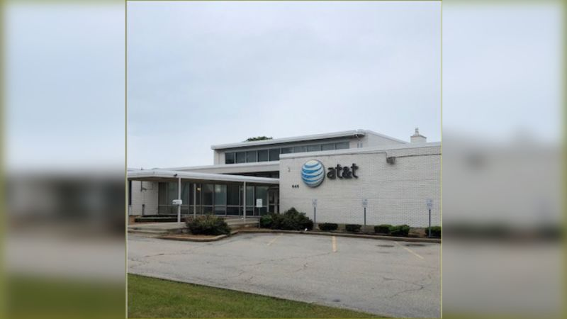 646 Chicago Road - Office - Sale
