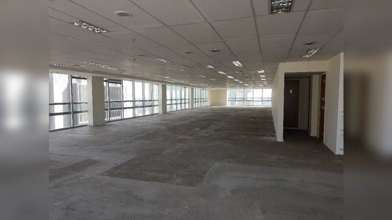 Ed. Cetenco Plaza  - Office - Lease