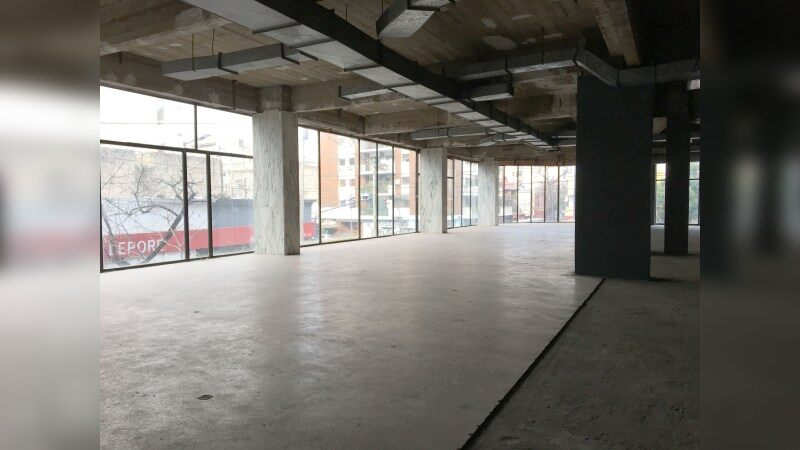 Av San Juan 2201 - Edificio en Block - Office - Lease
