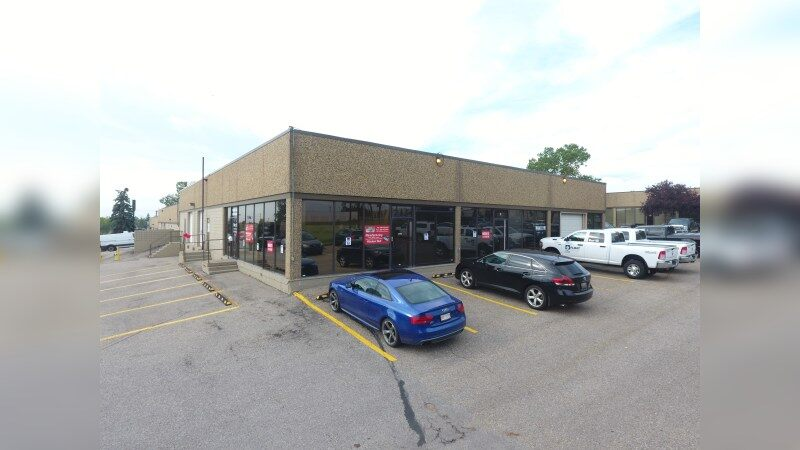 For Lease - 3320 - 14 Avenue, Bay 9 - Industrial - Lease