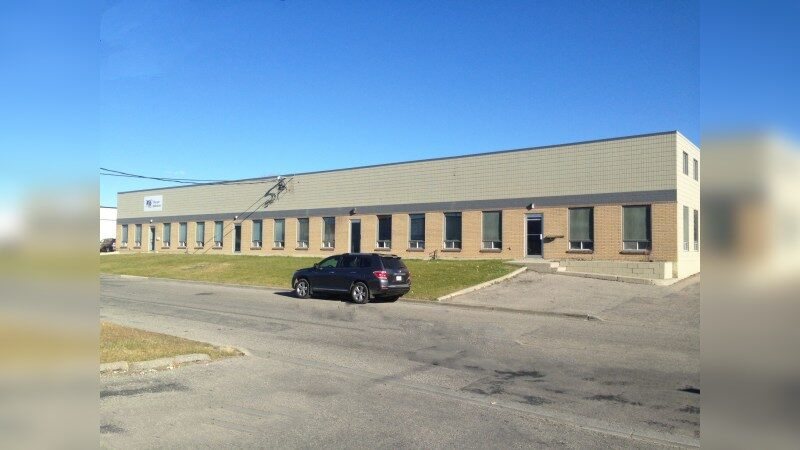 For Lease - 1352 Hastings Crescent SE - Industrial - Lease