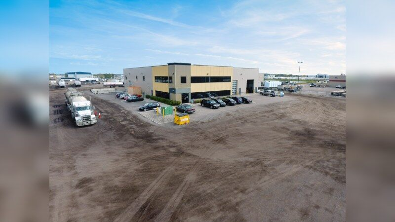 Warehouse with two offerings - Industrial - Lease