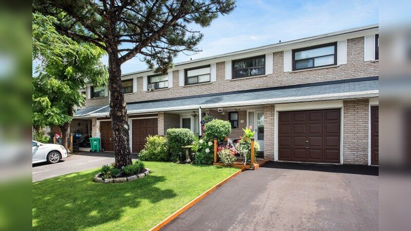 Woodbine Square Townhomes - Multifamily - Sale