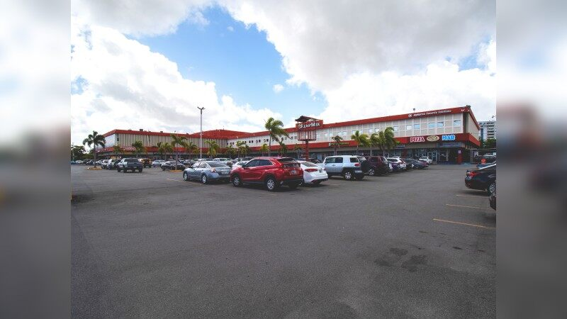 Laguna Gardens Shopping Center - Retail - Lease