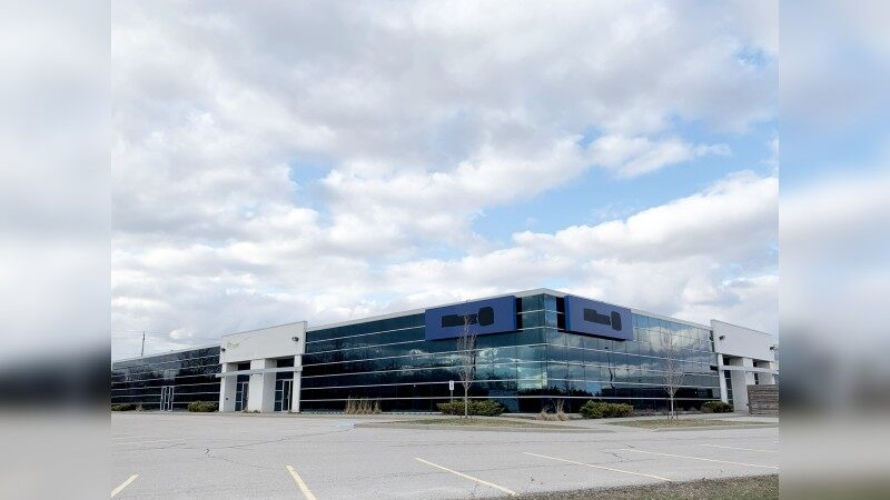 Office Space With Highway 401 Frontage - Office - Lease